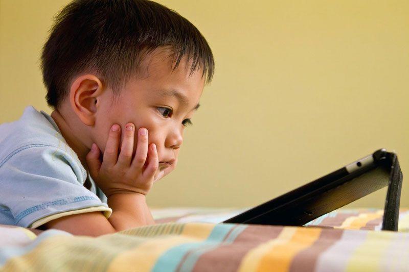 tật khúc xạ ở trẻ
