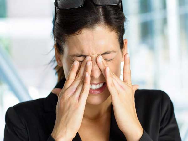 chứng nháy mắt liên tục