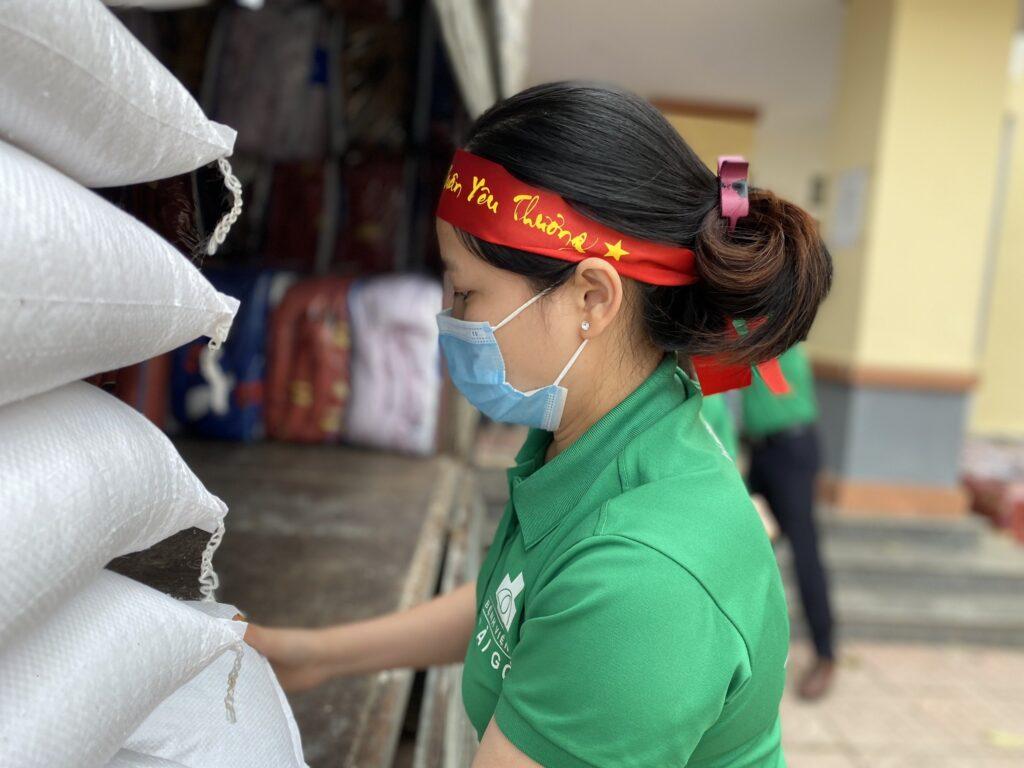Tập đoàn Y Khoa Sài Gòn và Quỹ Nguồn Sống Việt mang Xuân Yêu Thương đến những mảnh đời khó khăn.
