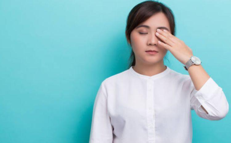 Co giật mí mắt, điềm báo hay triệu chứng bệnh về mắt
