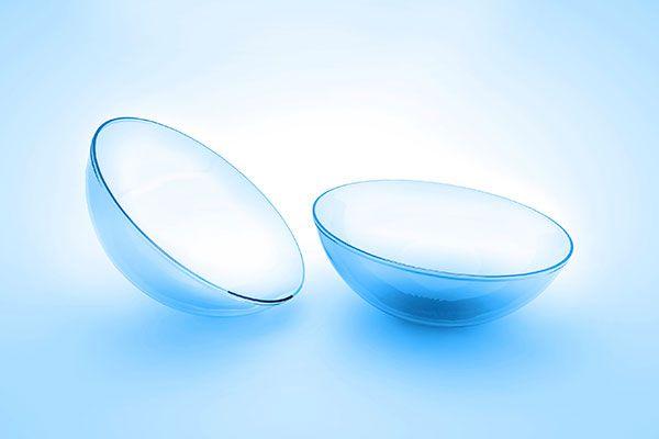 Sử dụng kính áp tròng ban đêm chỉnh tật khúc xạ