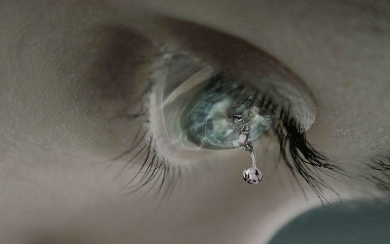 8 lợi ích của nước mắt với sức khỏe