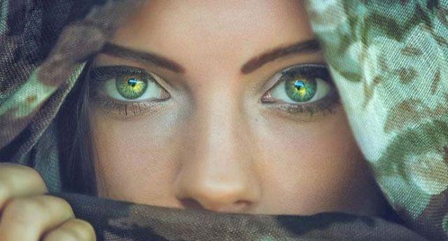 Màu sắc đôi mắt tiết lộ gì về tính cách của bạn