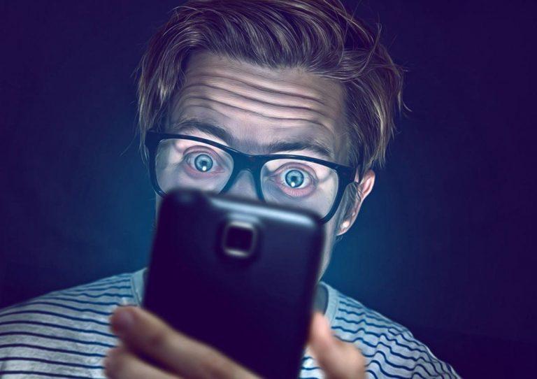 """Công nghệ đang """"giết chết"""" đôi mắt của bạn như thế nào"""