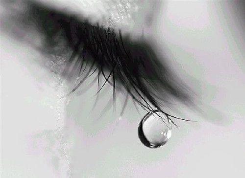 Tại sao nước mắt có vị mặn