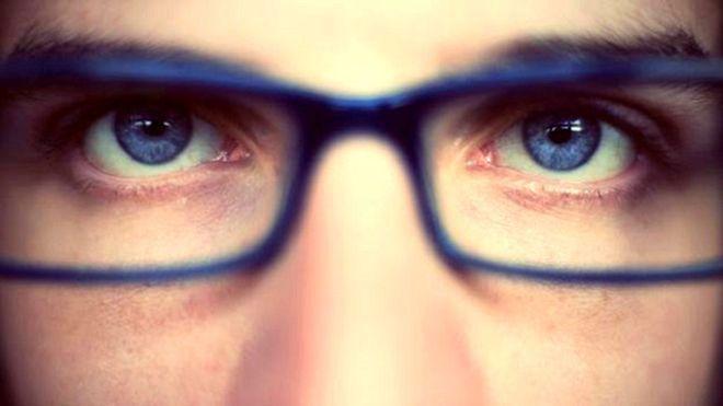 Những loại thực phẩm gây hại cho mắt